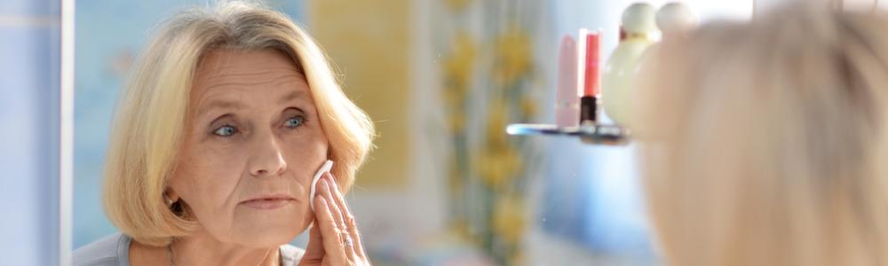 woman-doing-makeup